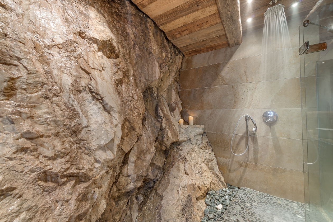 val d'isere mountain resort property - showerroom