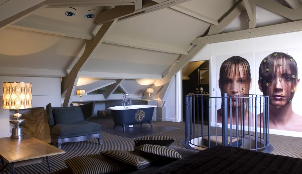 IMAGE: One of the impressive suites at Hôtel Particulier Montmartre