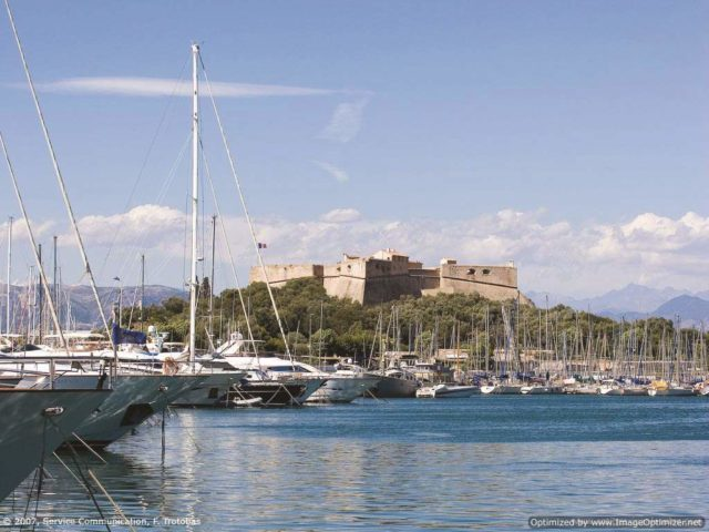 IMAGE: View of Fort Carré and Antibes' harbour from the water