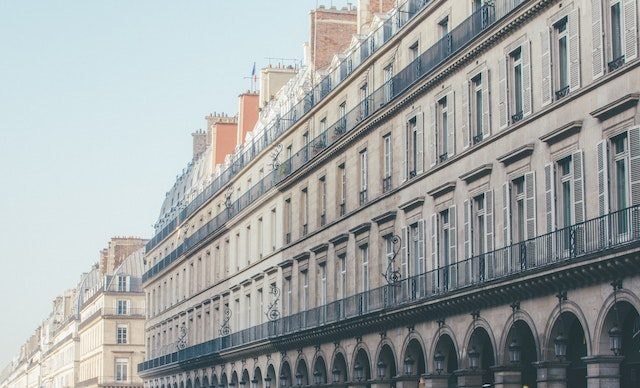 Picture showing private apartments in central Paris