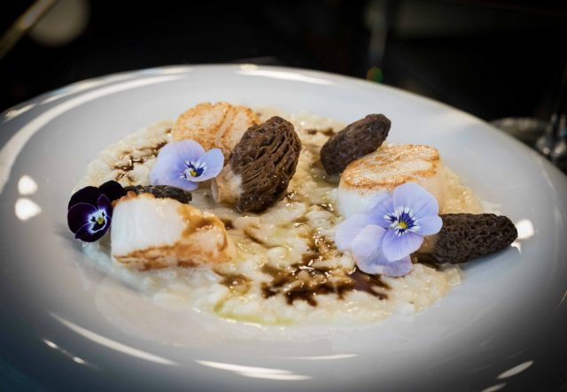 IMAGE: Picture showing beautifully presented dessert at Les Foodies in the Marais