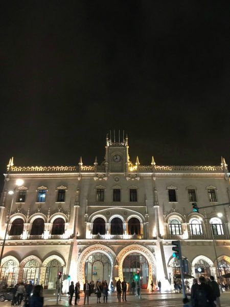 Picture showing a beautiful building in Lisbon