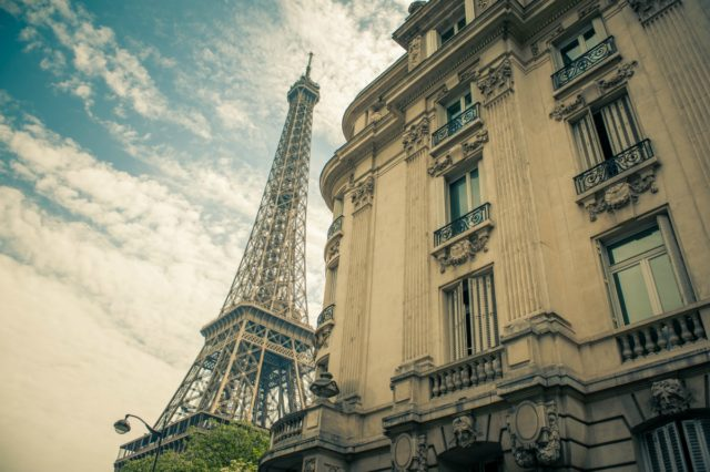Photo of the Eiffel Tower to accompany our article 'A message for our sellers' (Photo Martijn Adegeest, Pexels)