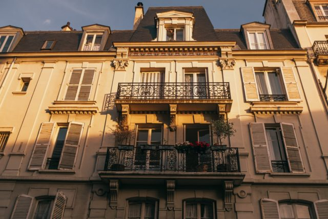 Photo showing an attractive, classic Paris property - the sort that is often popular with Airbnb users